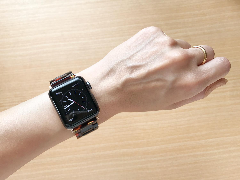 Apple Watchのバンド交換 - V ・モロのバンドを実際に着けてみた