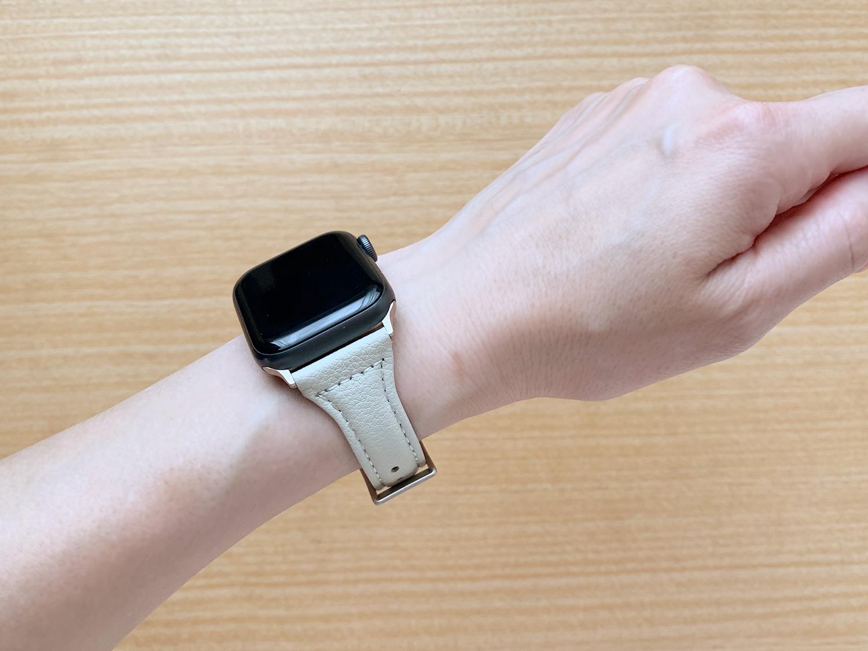 コンパチ 細めな本革製Apple Watch バンド(着画)