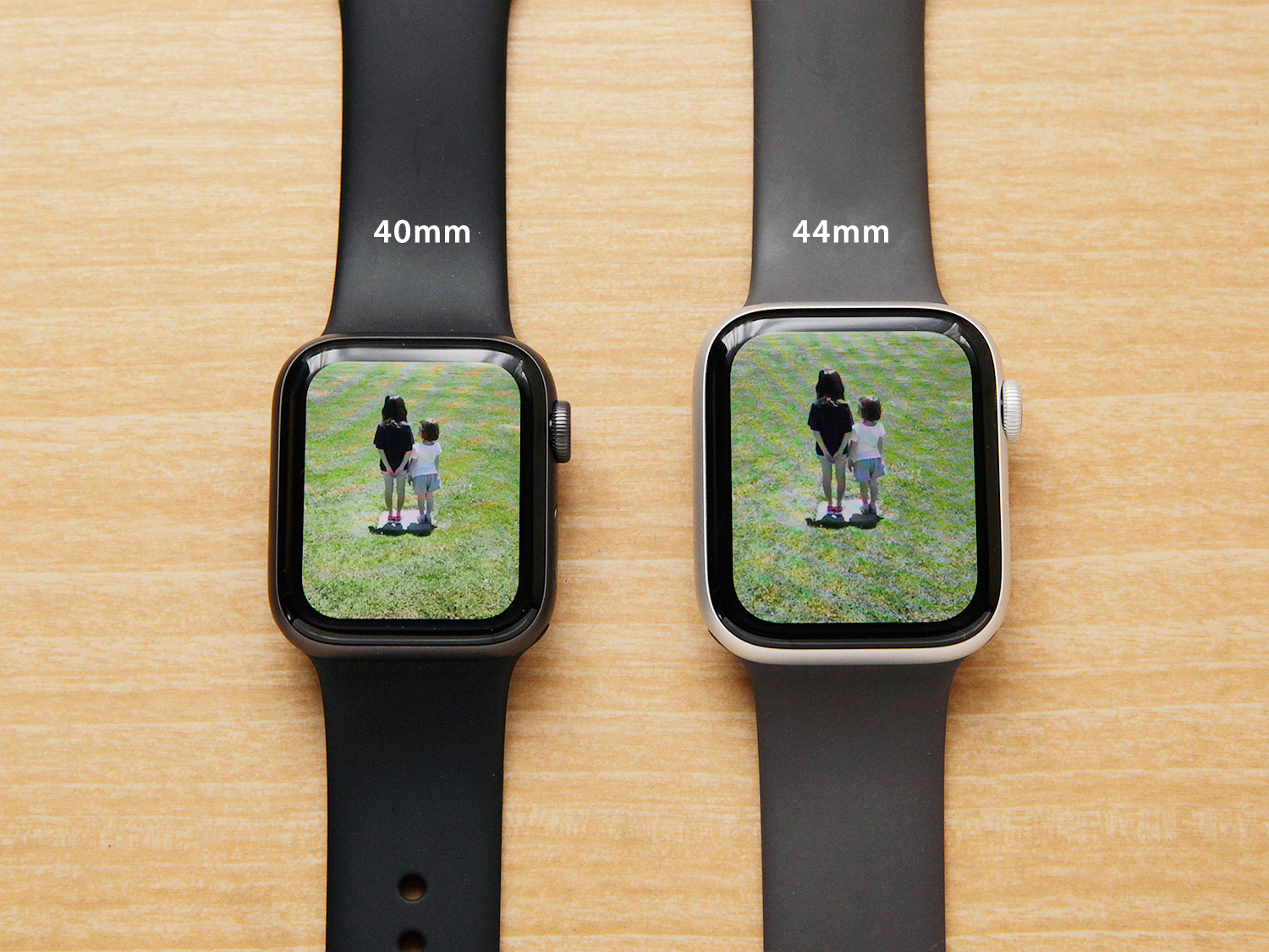 Apple Watch Seires 4の40mmと44mmサイズ比較(写真)