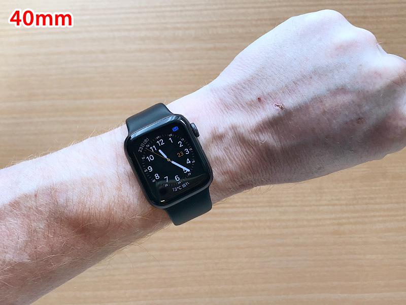 男性が着けたApple Watch Seires 4の40mm