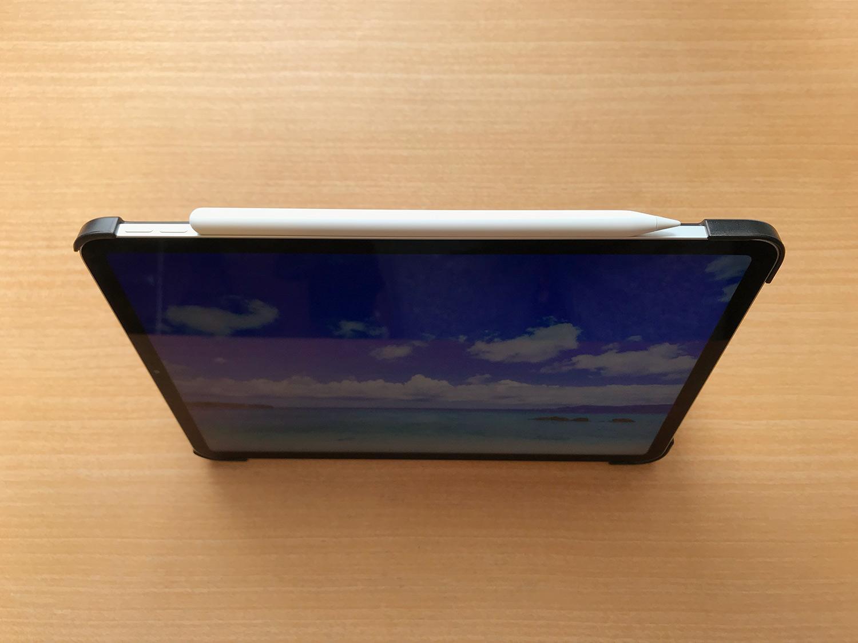 格安iPad Pro 11インチ用ケースのApple Pencil2装着画像