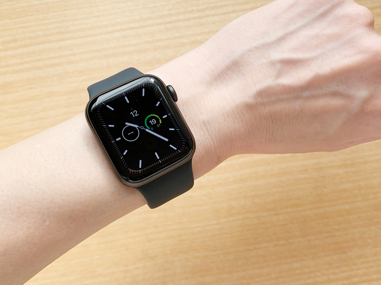 Apple Watch Series 5の常時表示Retinaディスプレイ|機密コンプリケーション非表示