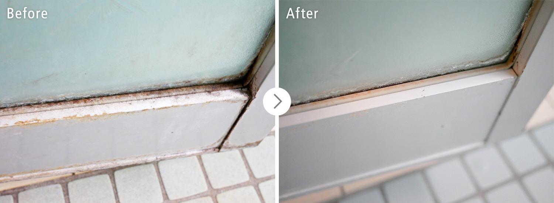 おそうじ本舗の浴室クリーンニング:ドアのパッキンのカビ・汚れ ビフォーアフター(Before After)